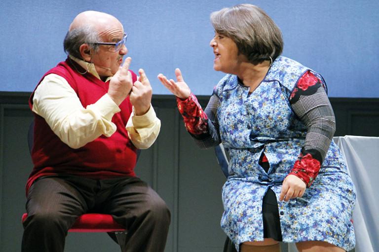 BENVENUTI IN CASA ESPOSITO - Salvatore Misticone e Nunzia Schiano