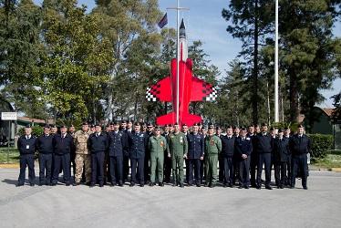 Foto di gruppo del personale partecipante insieme al Team di SMA6