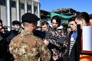 4 - Momento visita mostra statica - Armi dell'Esercito